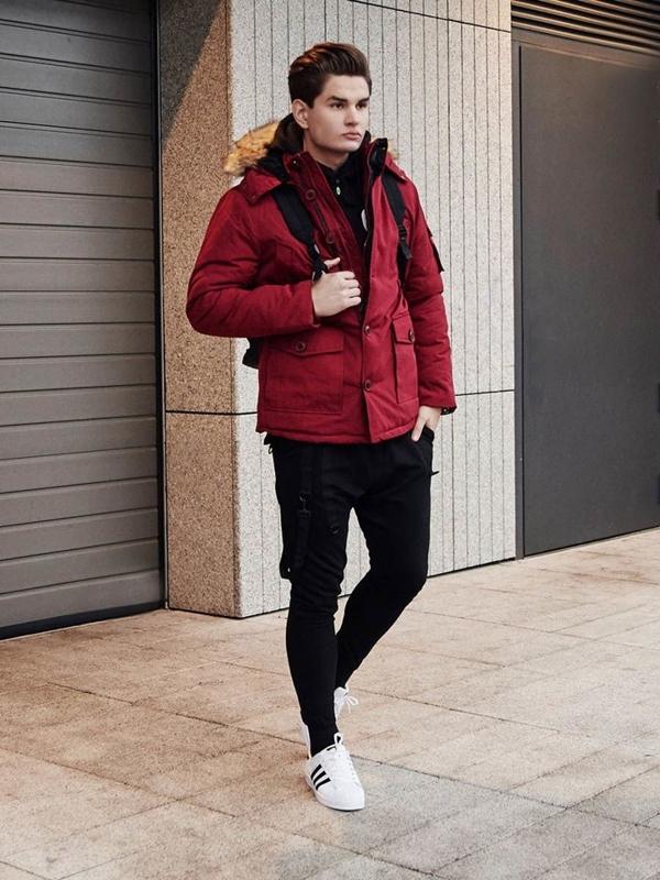 Stylizace č. 387 - hodinky, zimní parka, mikina s kapucí, klasické tričko s dlouhým rukávem, jogger kalhoty