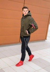 Stylizace č. 176 - přechodná bunda, baggy kalhoty, tenisky